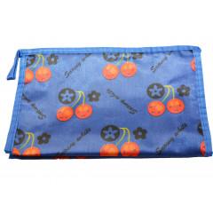 ACCESSORIES & STYLE Kozmetická taška 22 x 14 cm modrá s čerešňami